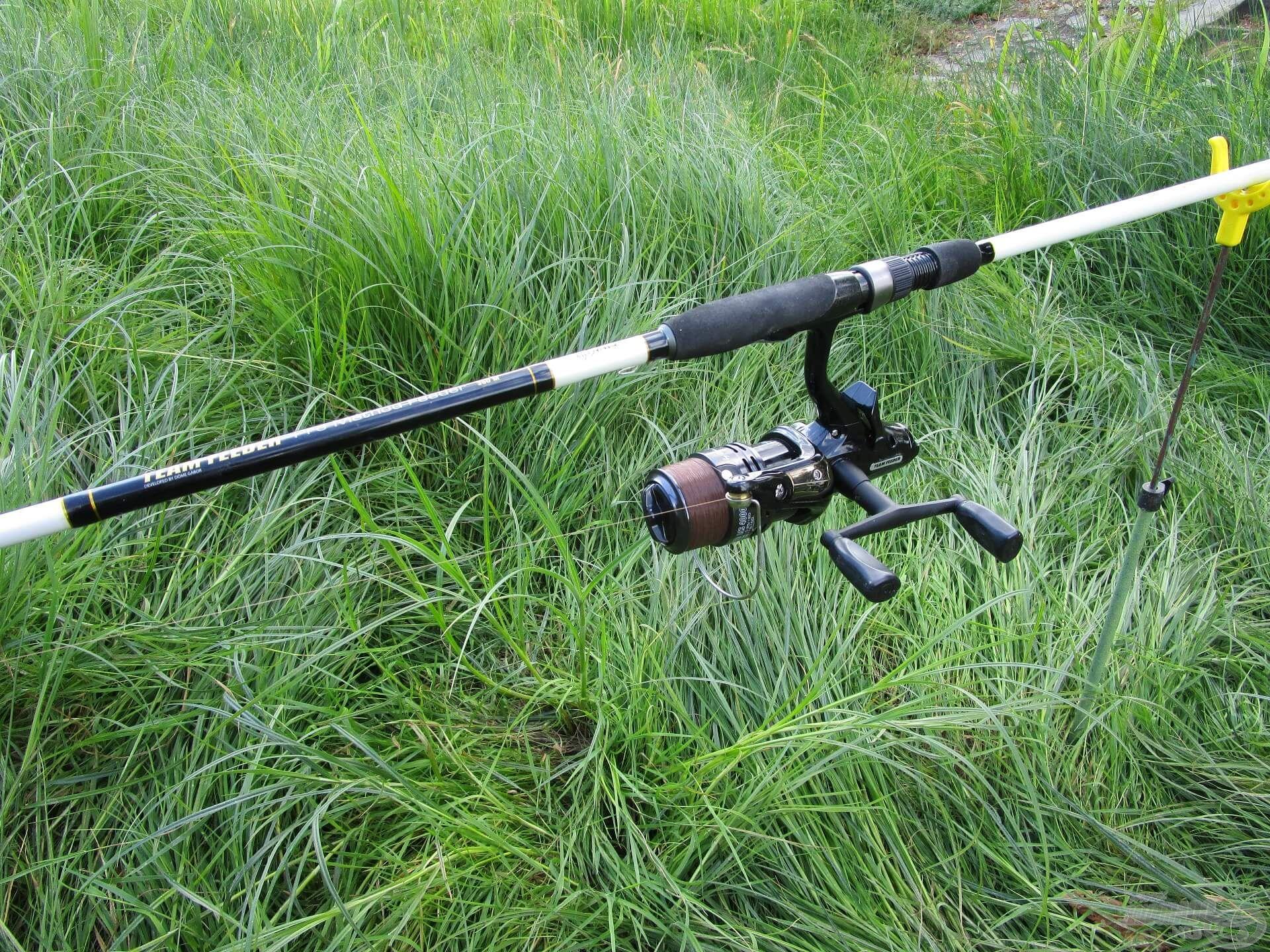 A Pro Method botot is nagyon szeretem. Mivel nem kellett messze horgászni, ezúttal egy kisméretű nyeletőfékes orsót tettem rá