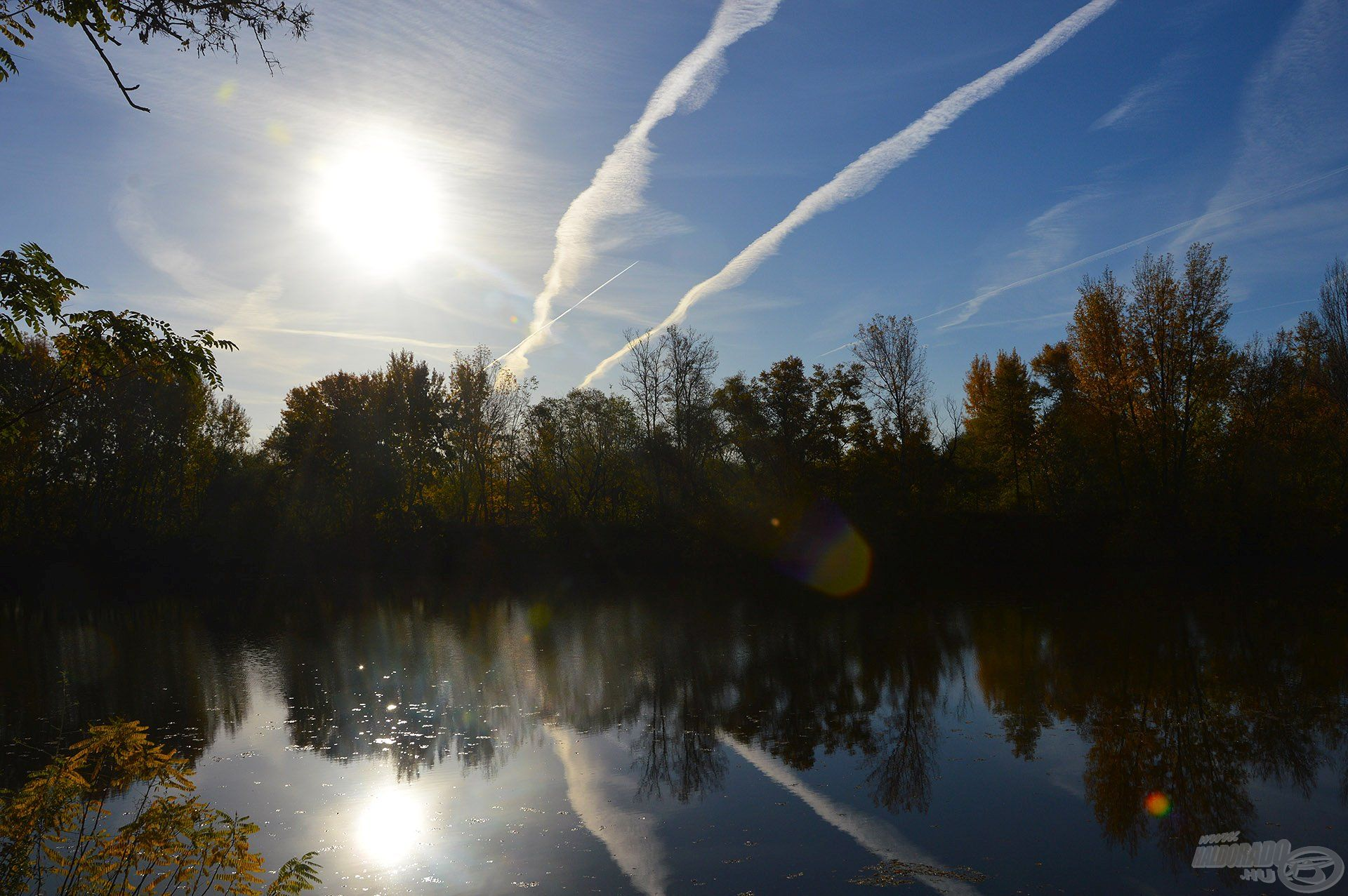 Szinte nyarat idéző, szikrázó napsütéssel indult az őszi reggel