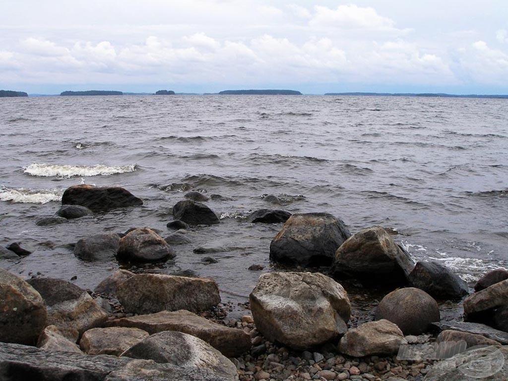 A part menti köveken élmény pergetni… ha nincs ekkora szél
