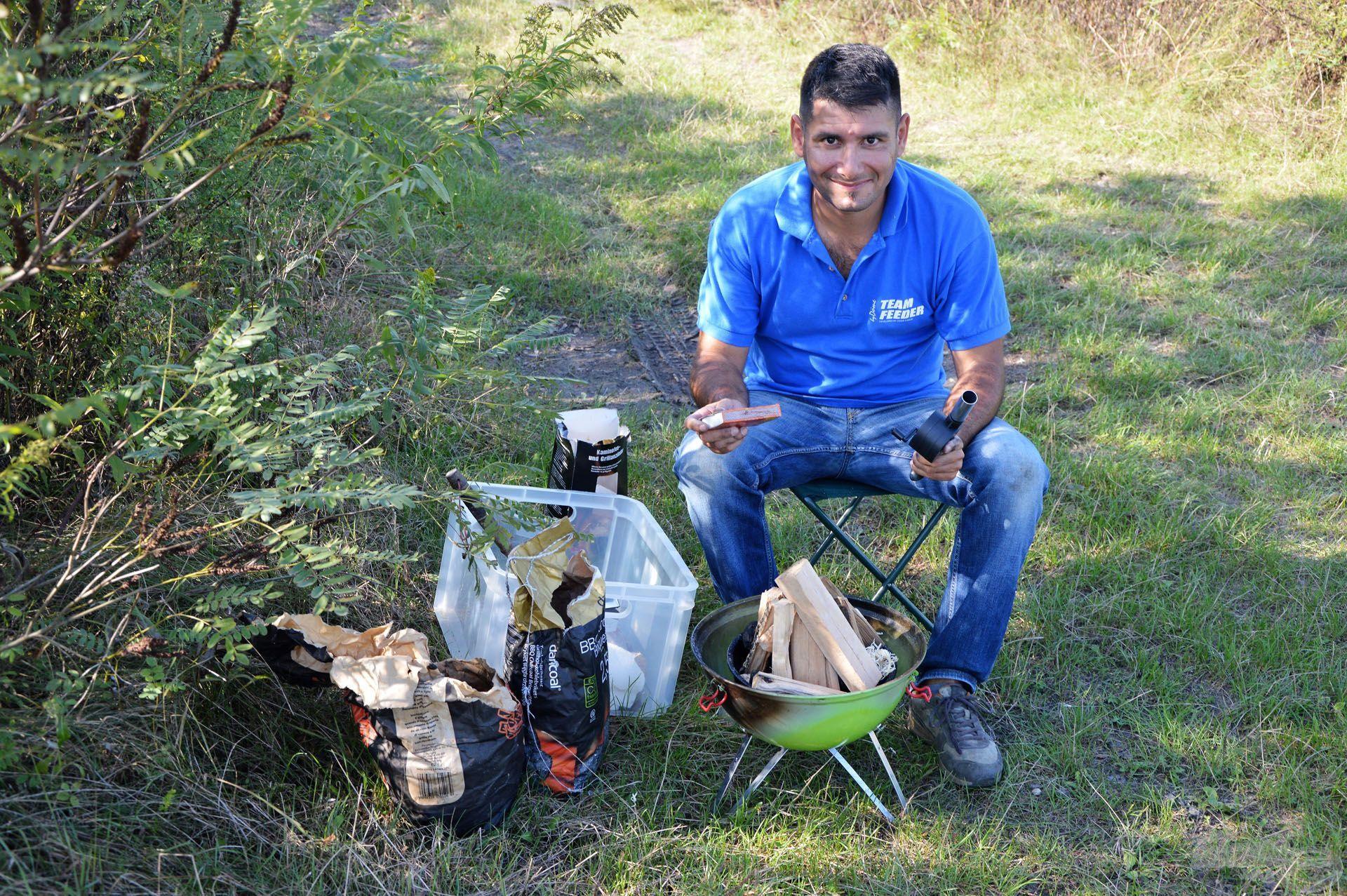 """Zoli nemcsak a horgászatban jeleskedik, hanem a """"tábori étkeztetésben"""" is"""