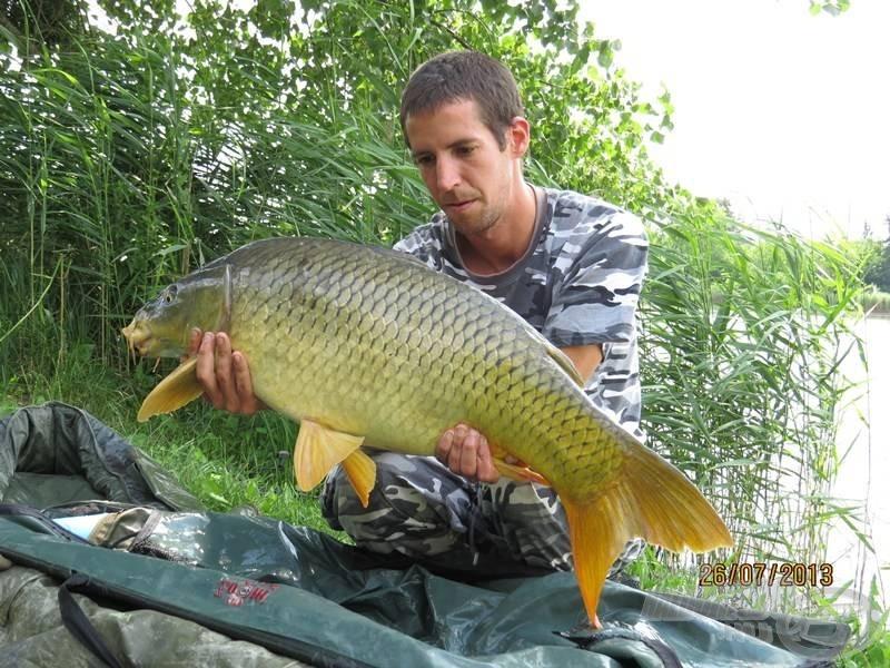 A szomszédunkban szerencsét próbáló Orbán Zoli is szép halakat csalt horogra…