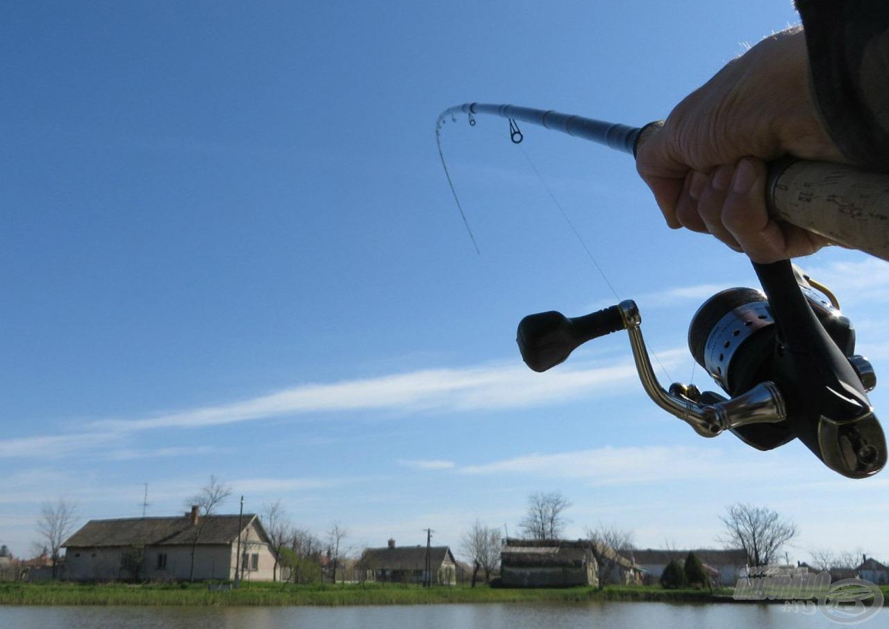 Igyekeztem a bot akciójáról is képet készíteni - ezt látom, amikor hal van a horgon