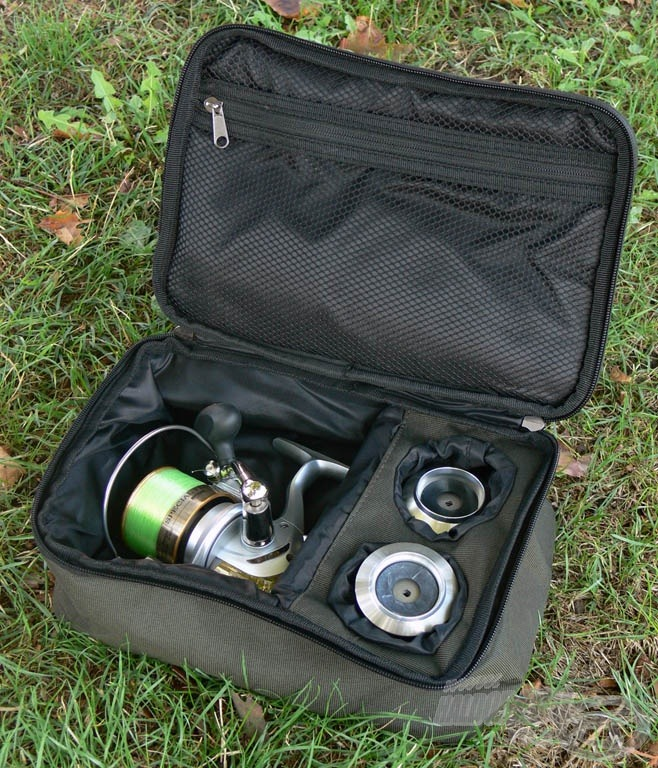 Az orsó biztonságos szállítását, tárolását hivatott szolgálni az Exclusive orsó- és pótdob-tartó táska