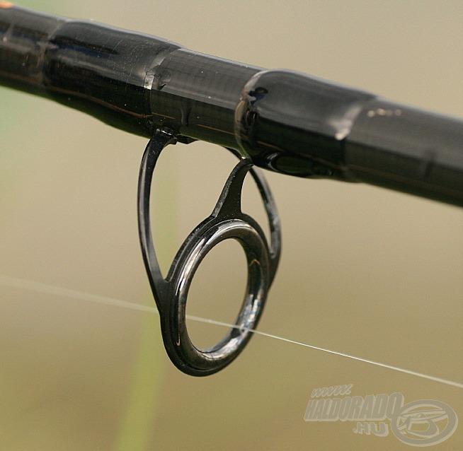 Robosztus, erős kéttalpas gyűrű