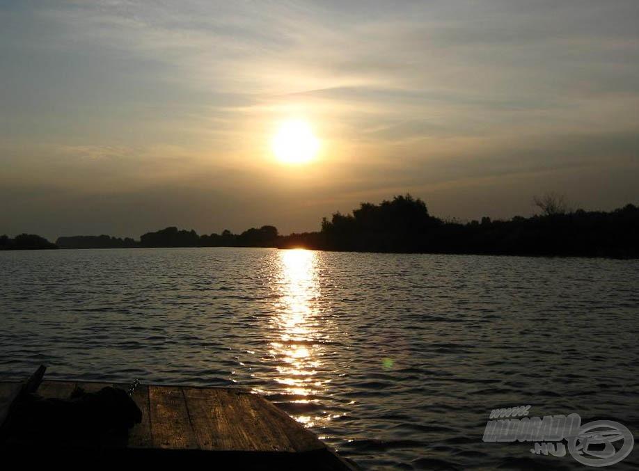 Napkelte a Tiszán