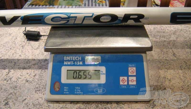 A bot súlya visszavágva 655 g