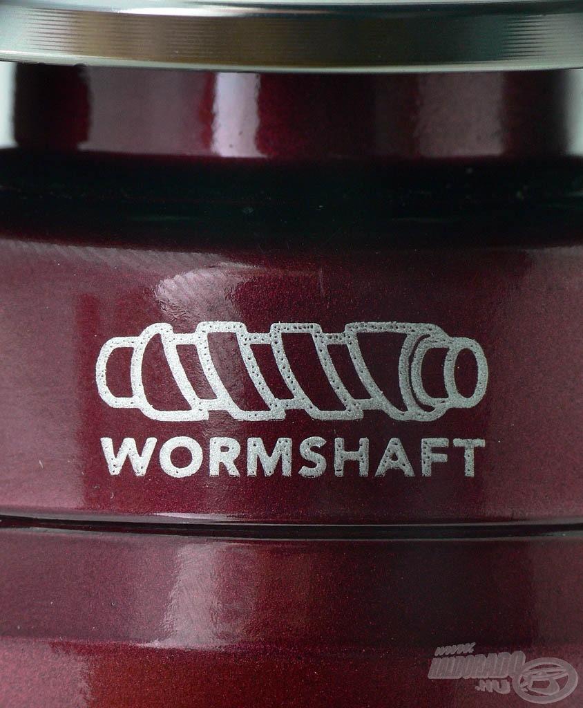 A wormshaft dobemelés rendkívül precíz zsinórképet eredményez