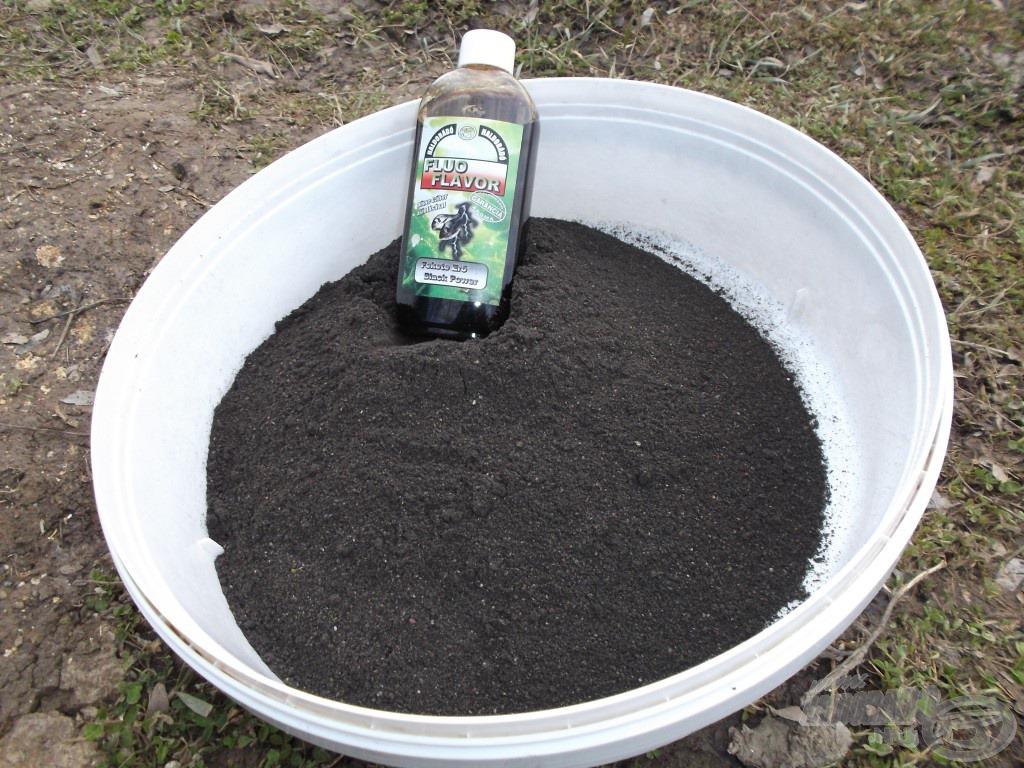 Nagyon finom, fekete halliszt adja az új Fluo Energy Fekete Erő etetőanyag alapját, amit érdemes Fluo Flavorral tuningolni