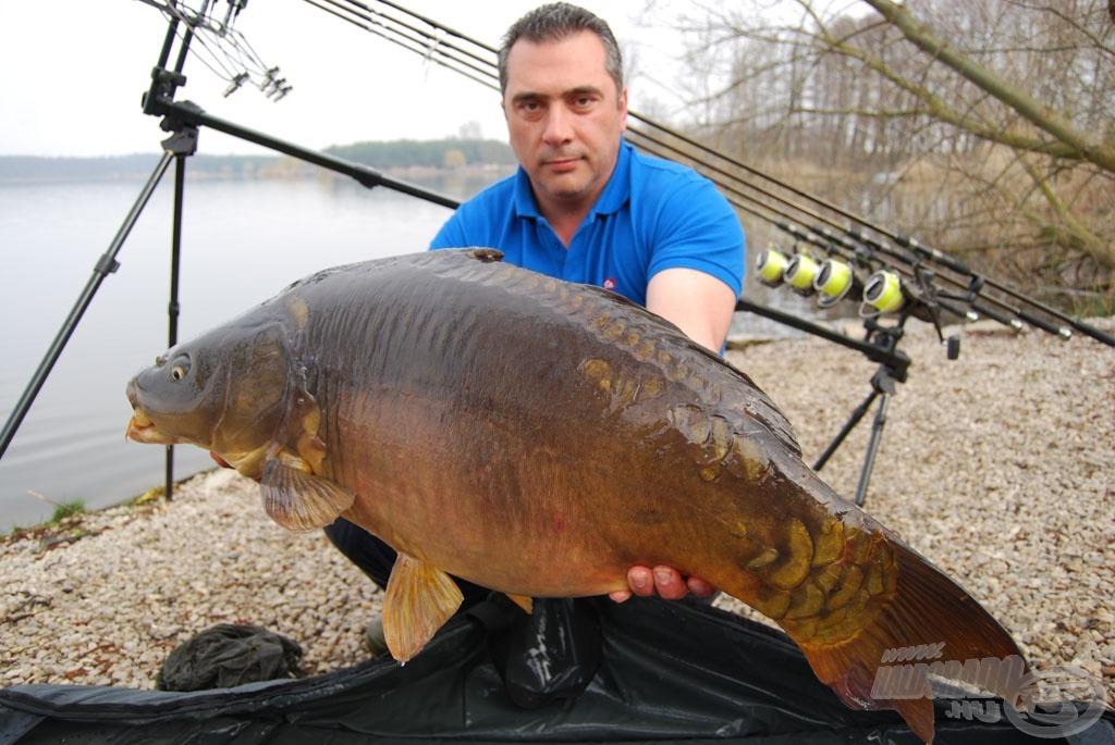 Jorgos tükröse egyúttal a verseny egyik legnagyobb hala volt, 16.650 gramm…