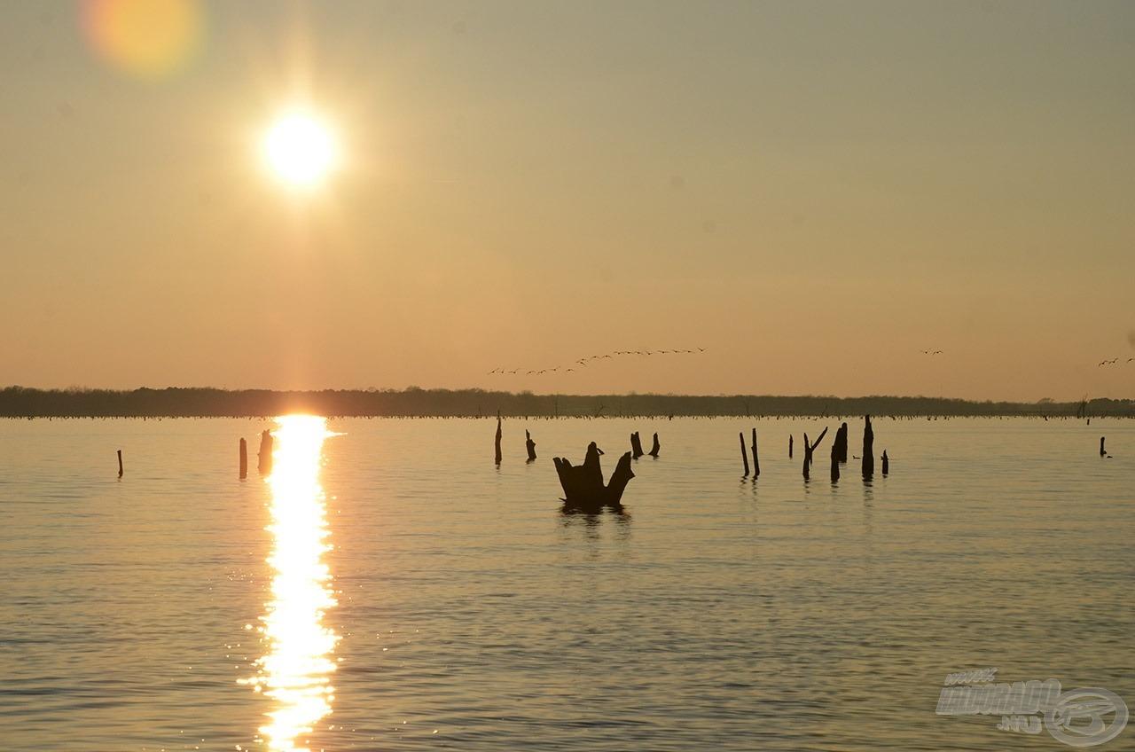 A természet ilyen szép látvánnyal ajándékozott meg minket az utolsó horgásznap délutánján