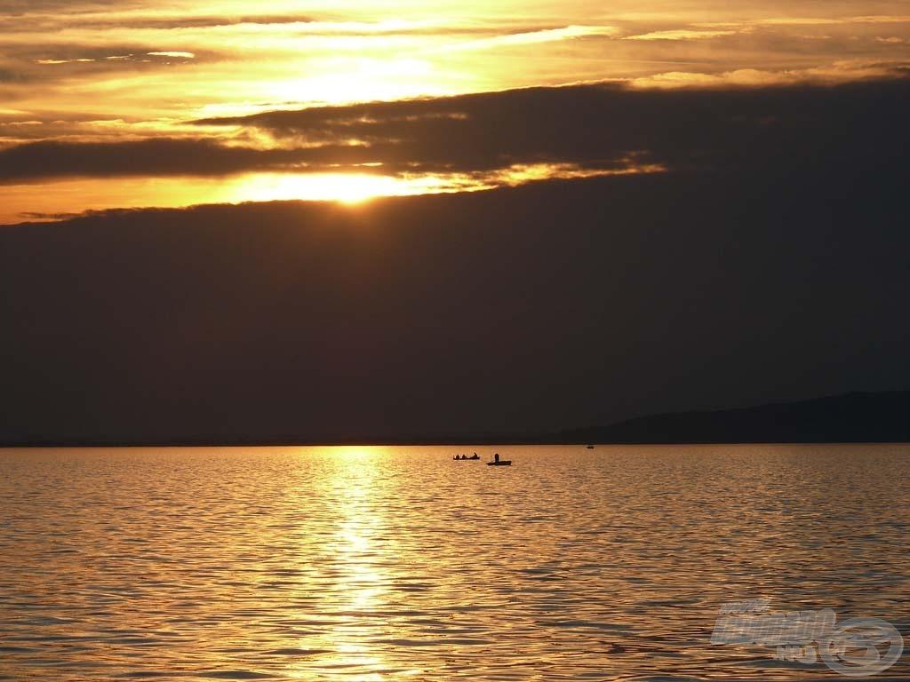 A naplemente csodálatos a Balatonon…