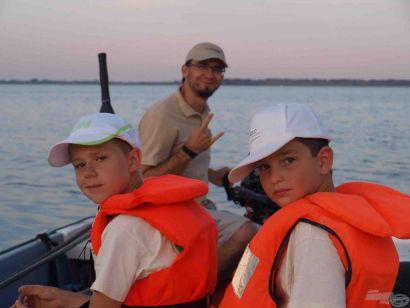 Vár a Tisza-tavi nyár! – Idén is lesznek Gyerek Horgásztáborok Sarudon