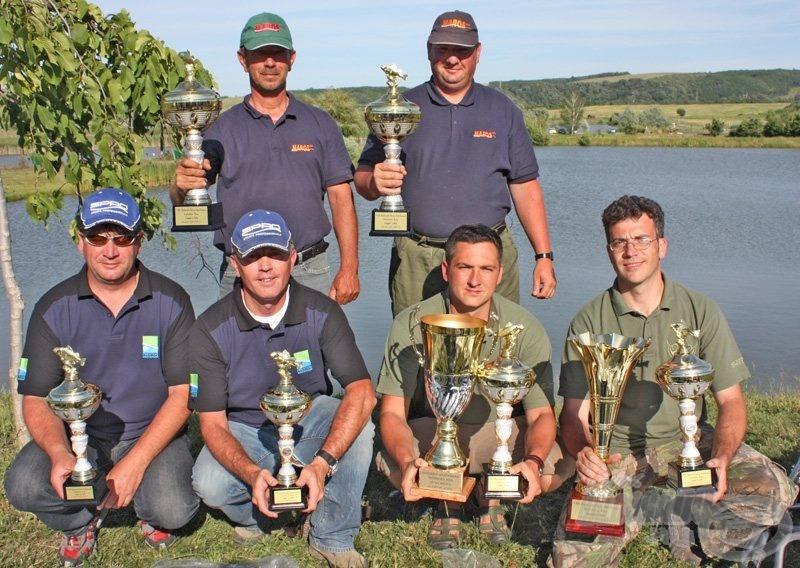Az első 3 helyezett csapat