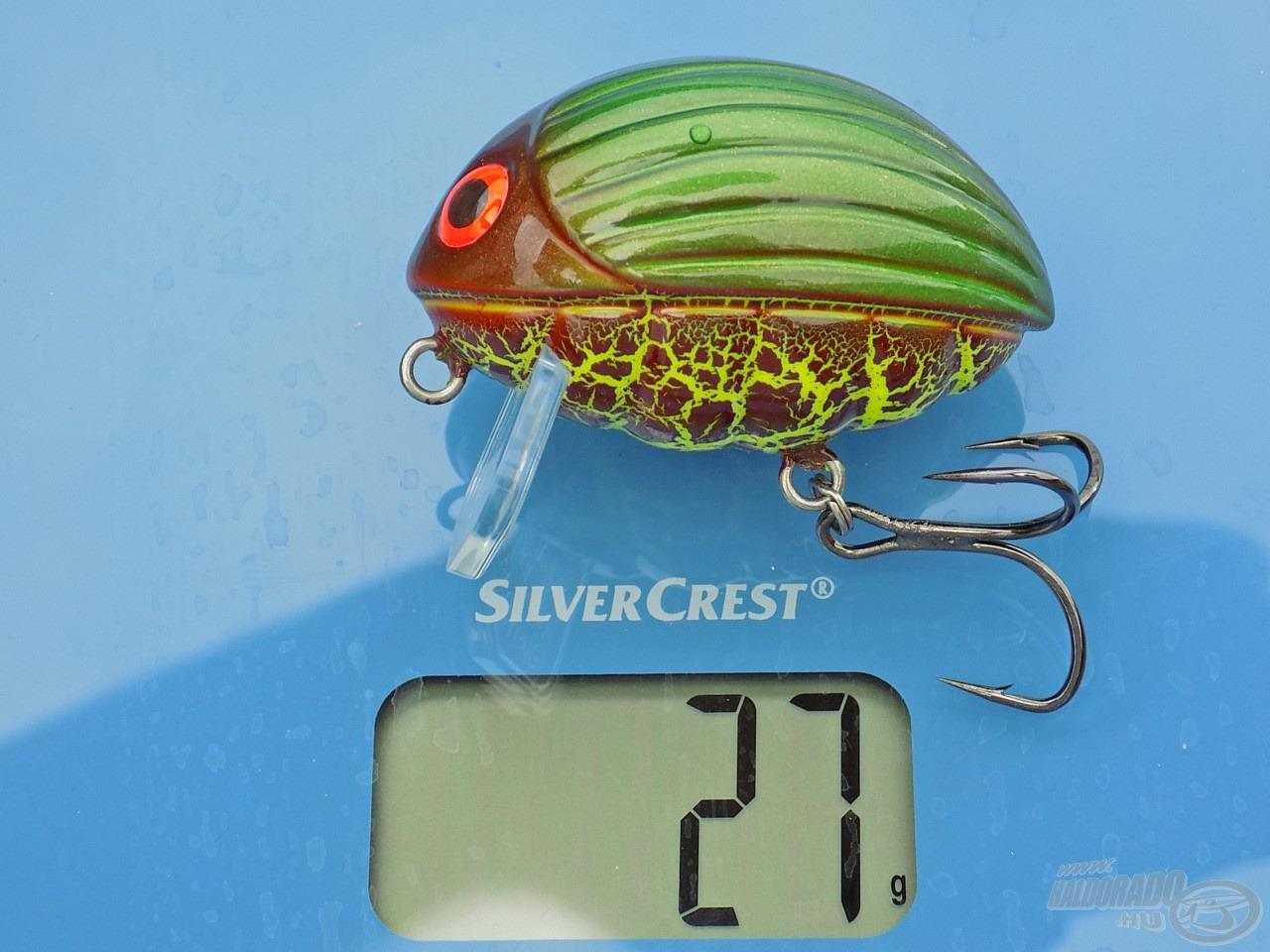 A gyártó által közölt 26 grammos súly ellenére a házilag mért 27 még nem jelent tévedést