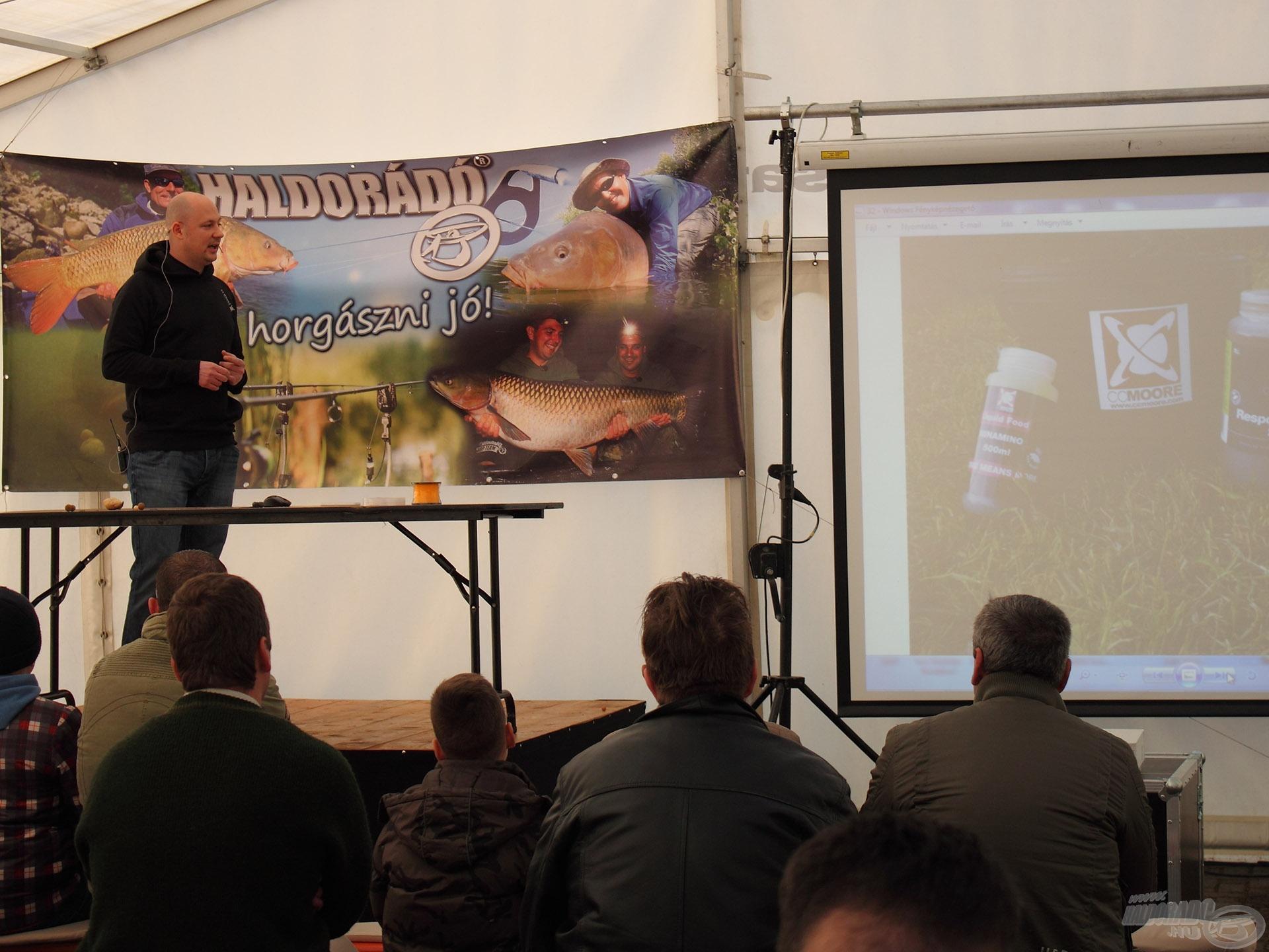 A CC Moore újdonságok is részletesen be lettek mutatva a rendezvény sátorban