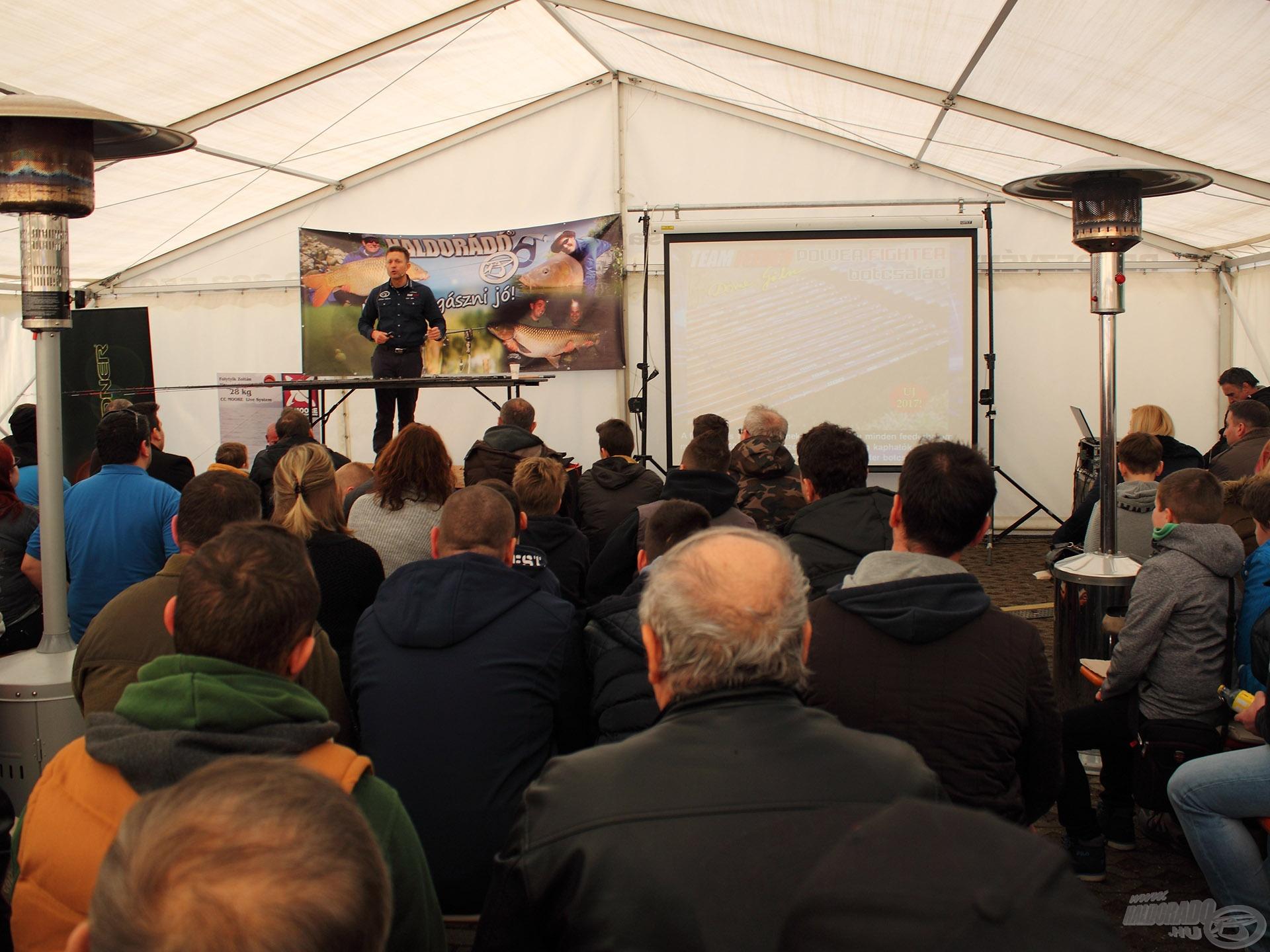 10:30-tól Döme Gábor előadása kezdődött el