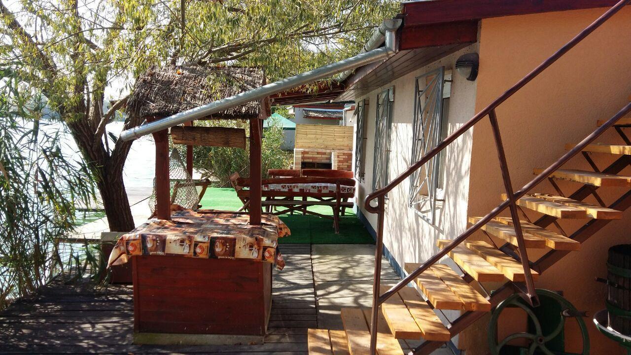 Dunavarsányi vízparti apartman 1  / Petőfi tó