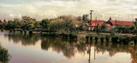 Tószegi Csónakázó-tó